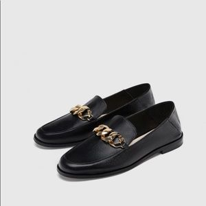 Leather Loafers with Chain.